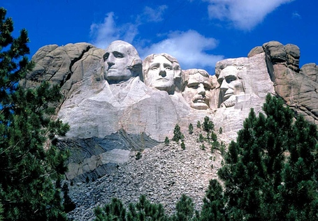 Mount_rushmore_medium