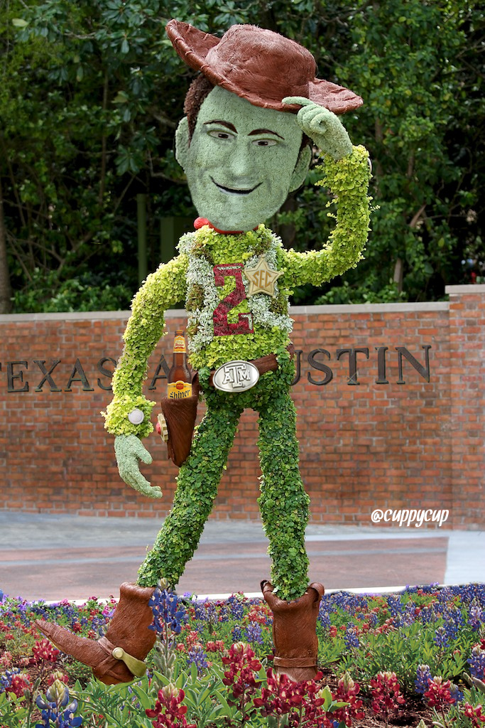 Johnny-topiary2