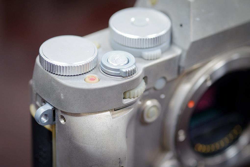 Fuji-x-t1-stripped-1