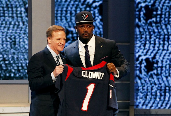 Clowney_draft_photo_credit-_cliff_hawkins_medium