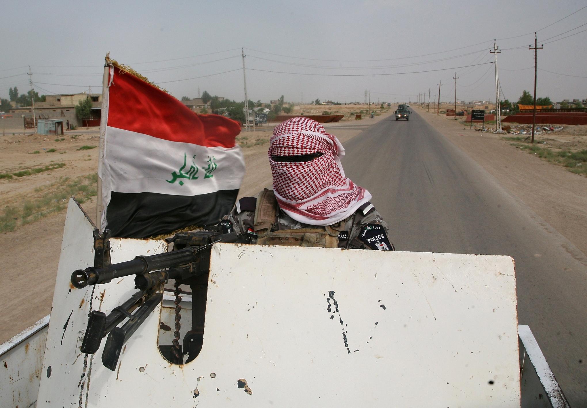 Masked_iraqi_policeman
