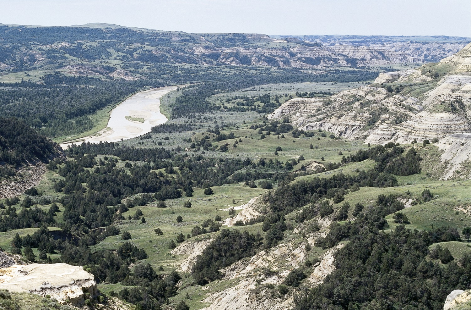 Theodore_roosevelt_national_park_medium