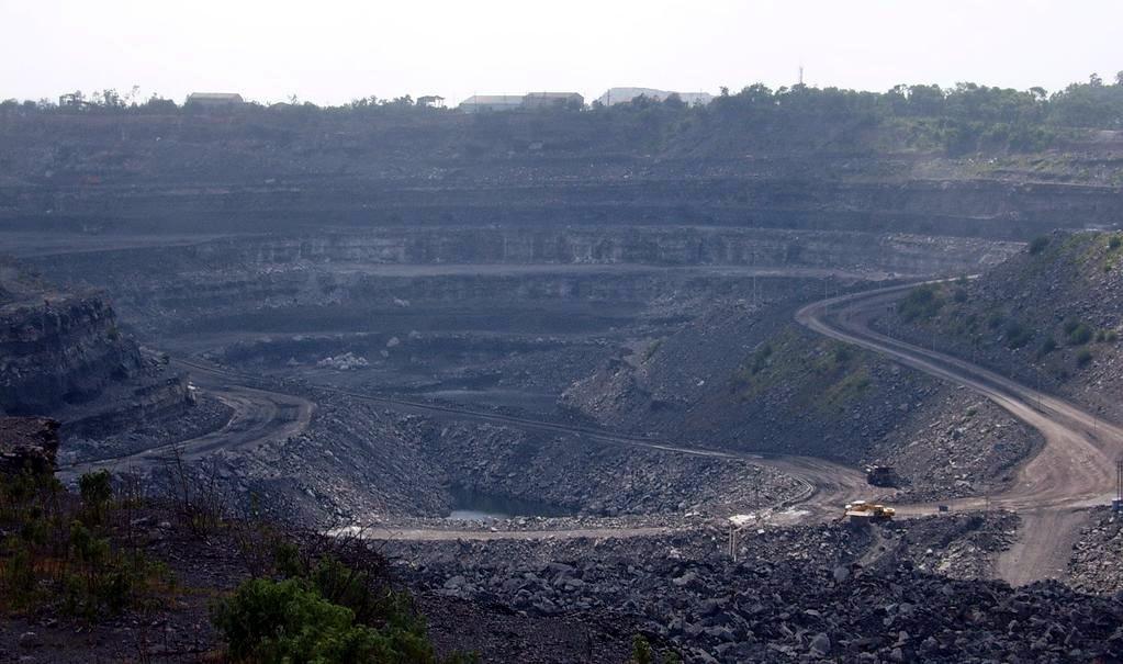 Coal_mine_in_dhanbad__india