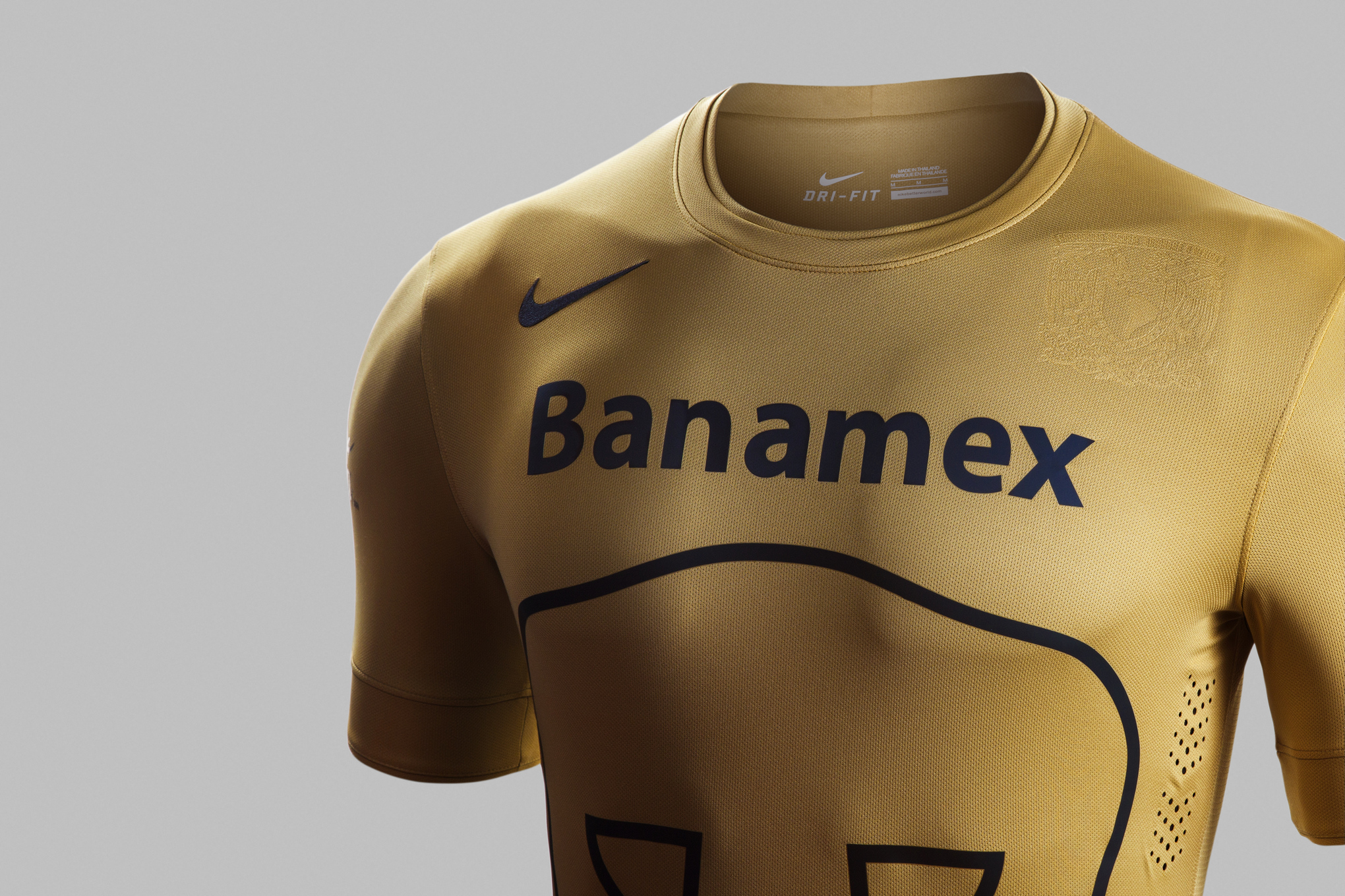 Pumas_home_kit_front_2_original_medium