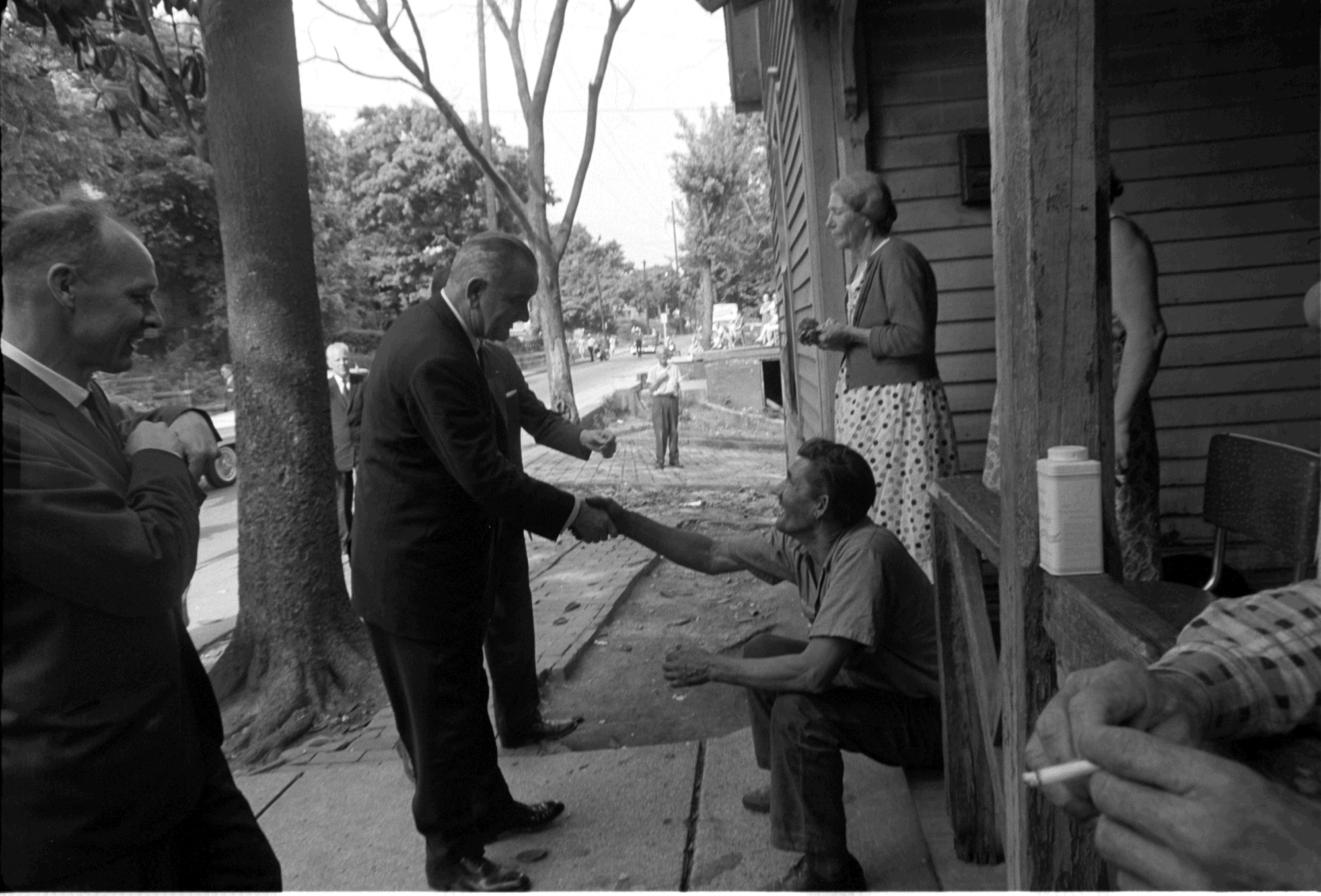 President_johnson_poverty_tour