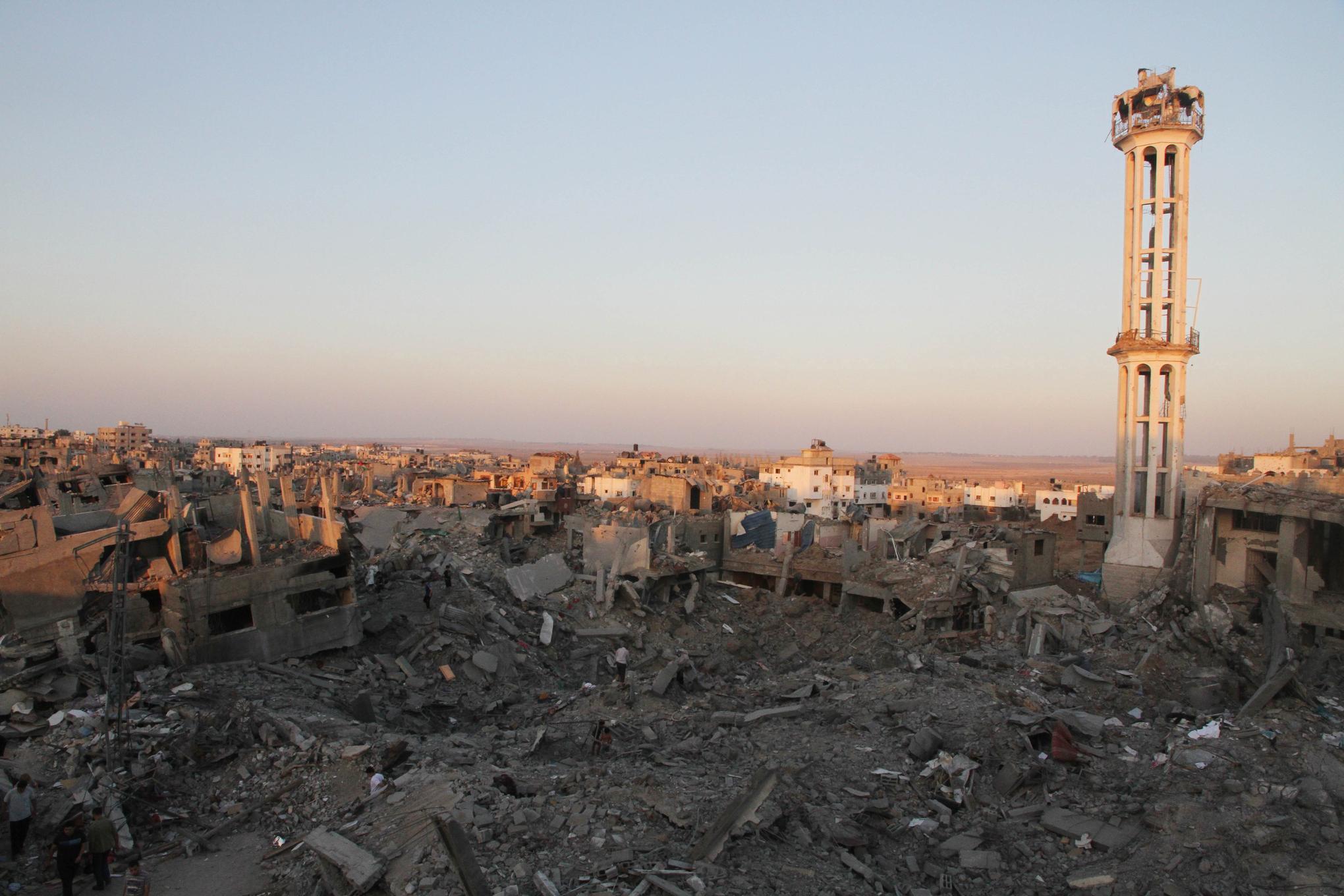Minaret_in_rubble_of_shujaya_gaza