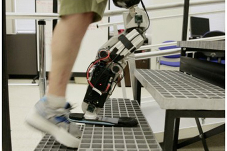 zac vawter bionic leg 640 (RIC)