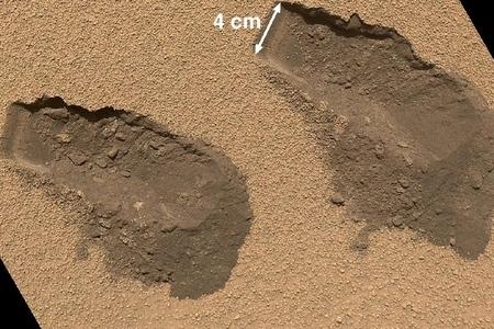 Curiosity soil scoops