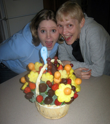 Edible-arrangements-fruit-bouquet-by-bensam
