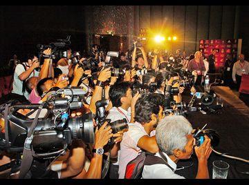 Image-13-for-liverpool-fc-s-rafael-benitez-jamie-carragher-fernando-torres-and-team-arrive-in-bangkok-thailand-gallery-68689748