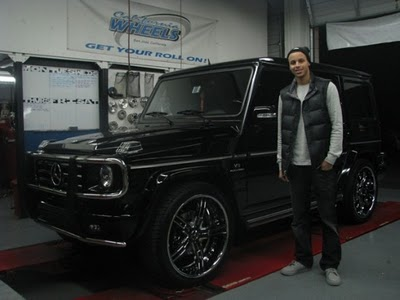 Stephen-curry-mercedes-g551-550x412