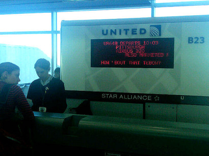 United-flight-board-at-the-denver-airport