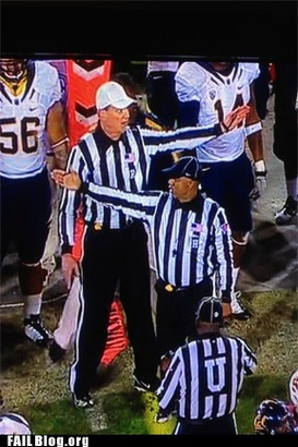 Epic-fail-sports-failure-he-went-that-a-way-referee-nfl-football
