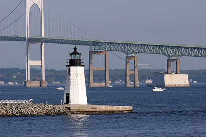 Newport-harbor-light