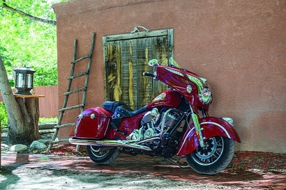 2014-indian-chieftain-the-flagship-cruiser-machine-photo-gallery-medium_10