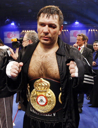 87d91224018b4b2f0ab9f86fd24be093-getty-boxing-heavyweight-wba-ger-uzb-cri-chagaev-drumond