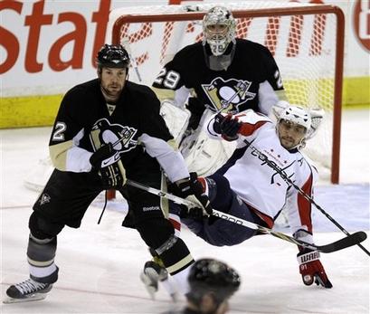 Capt.01eab02d11954fec96818c0be643e1ac.capitals_penguins_hockey_pagp102