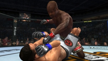 Broken-face-kicking-with-kongo-20090227003917565-000