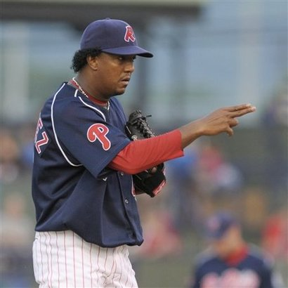 Large_pedro-martinez-philadelphia-phillies-810
