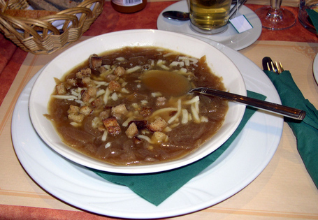 Plate_french_onion_soup_medium