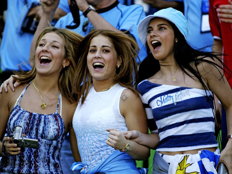29-uruguay-1-hottest-fans-2014-fifa-world-cup_medium