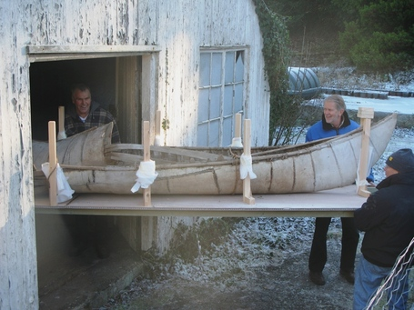One-of-the-worlds-oldest-canoes-sees-daylight-for-the-first-time_medium