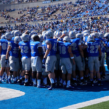 Air-force-football-huddle-pre-m