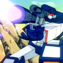 Soundwave_shooting_with_megatron_gun