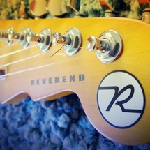 Rev_headstock