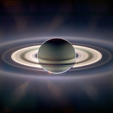Saturn_eclipsing_sol