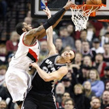 Lamarcus_aldridge_dunk