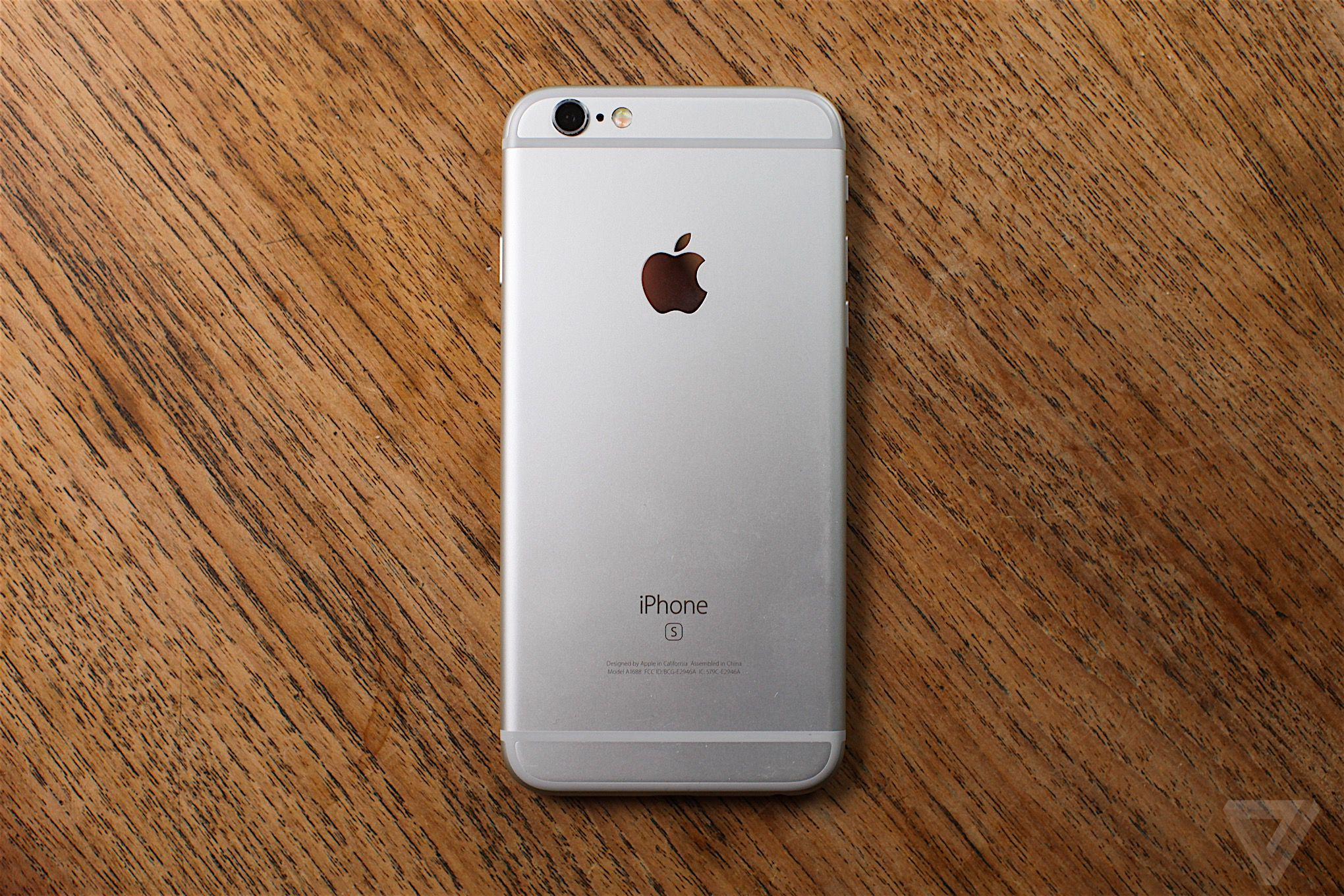 Apple iPhone 6S review: The oldest iPhone can't compete