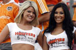 Hooters_girls_texas.jpg