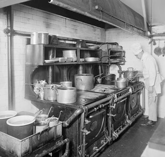 Kitchen Supplies Nyc: Remembering Voisin, The Always-Moving French Restaurant