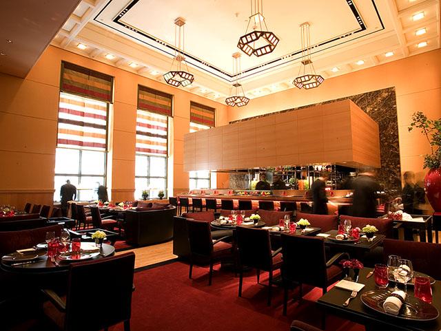 Eater inside special edition l 39 atelier de jo l robuchon for Hotel food bar atelier 84