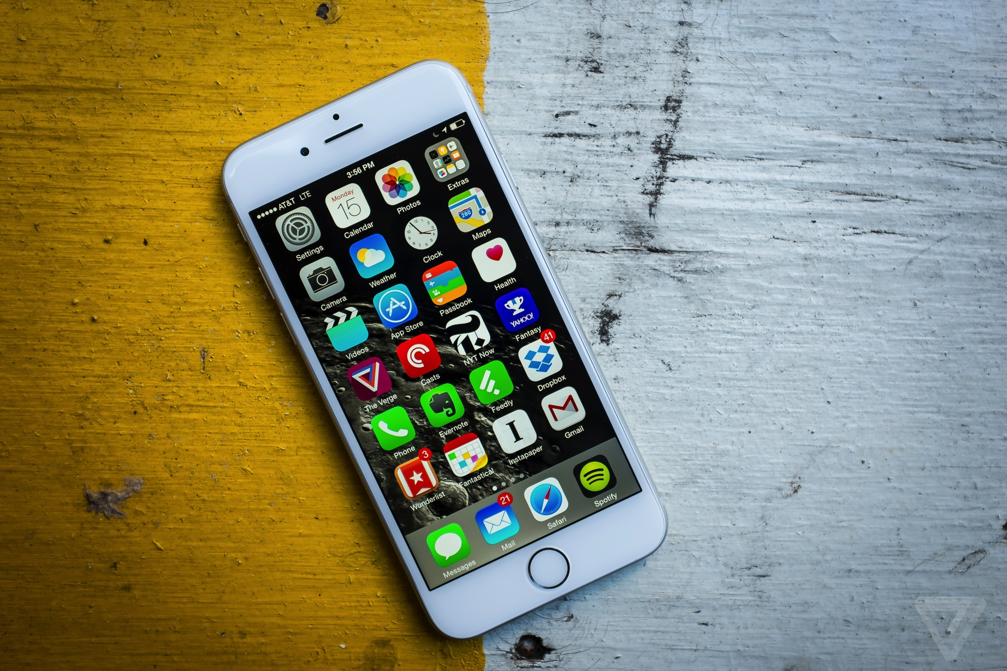 iphone 6 review the verge. Black Bedroom Furniture Sets. Home Design Ideas