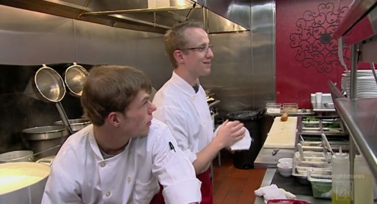 kitchen nightmares recap: at mangia mangia, they microwave