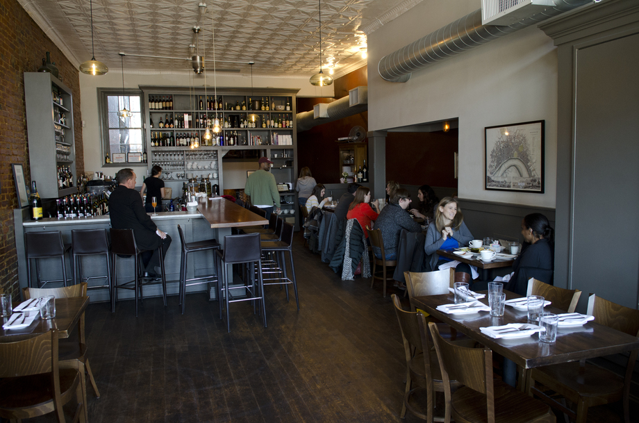 Experts Weigh In on Best Dining Neighborhood