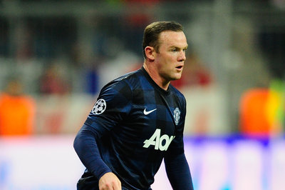 Manchester United gain huge advantage ahead of Everton clash as Wayne Rooney is passed fit