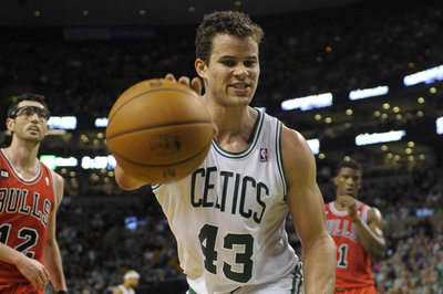 Wizards acquire Kris Humphries from Celtics in sign and trade