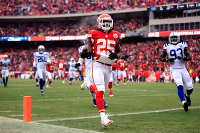 Jamaal Charles and the Kansas City Chiefs agree to a new contract