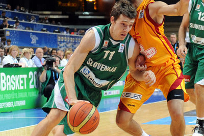 Phoenix Suns Goran Dragić plays in his first preparation game with Slovenia National Team