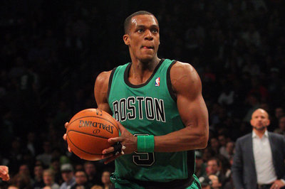 Five Out: More on the Rajon Rondo trade rumors, celebrating Dirk's hair