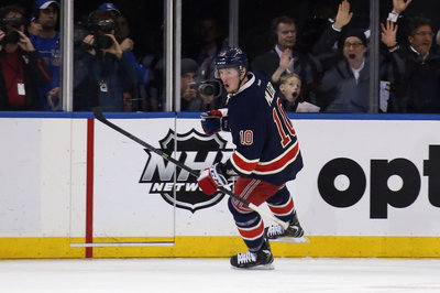 John Moore re-signs; Staal's contract talks; Buchnevich's KHL highlight