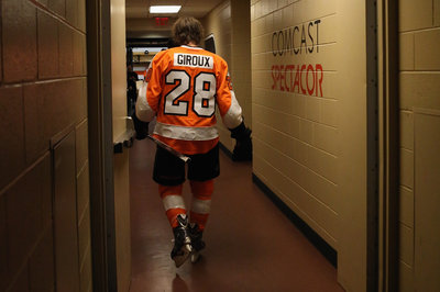 It took 15 minutes for Claude Giroux to get injured at training camp