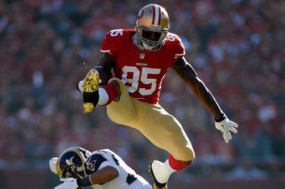 49ers-Rams inactives: Vernon Davis active, Anthony Davis inactive