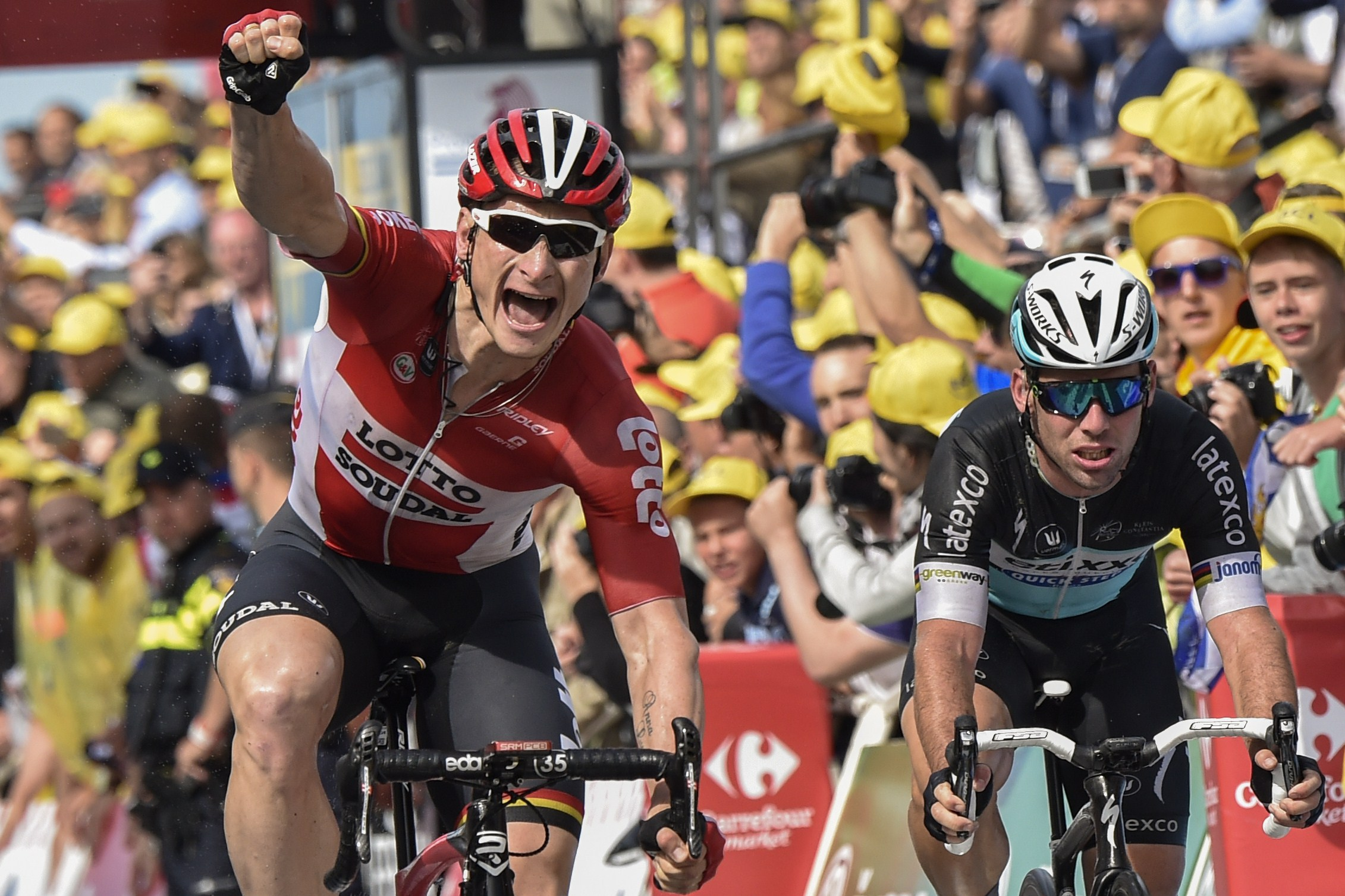 Thumbnail: Andr� Greipel (Lotto Soudal) ERIC FEFERBERG/AFP/Getty Images.