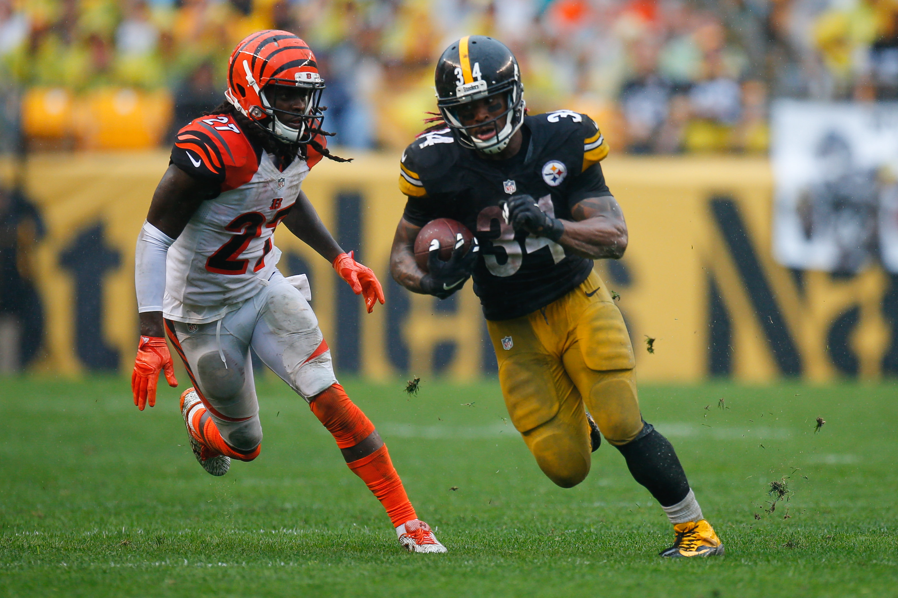 PITTSBURGH PA SEPTEMBER 18 DeAngelo Williams 34 of the