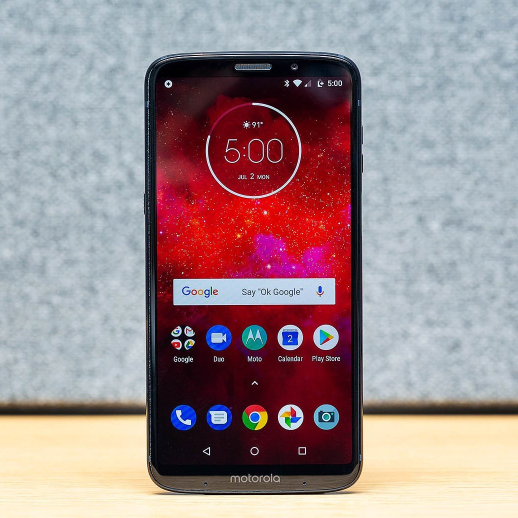 more photos e74bf e164b Motorola Moto Z3 Play review: the thrill is gone - The Verge