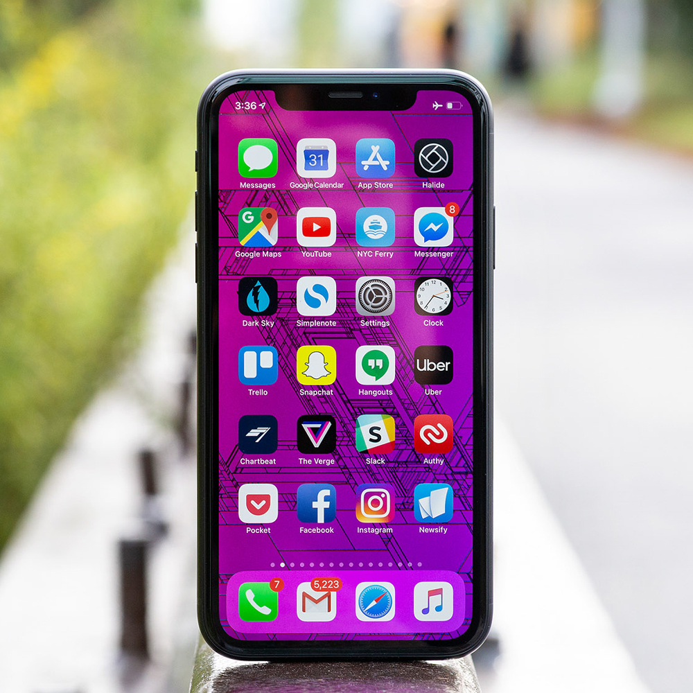 Apple iPhone XR review: better than good enough - The Verge